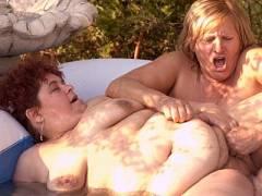 Finger Balled Lesbian BBW